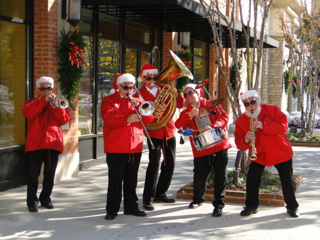 Band at Peninsula Town Center