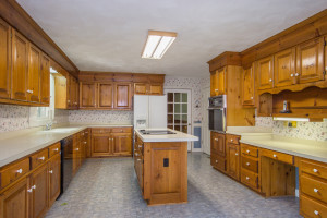 2412 Tarkington Ct. N. Chesapeake VA 23322 Kitchen