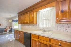 2412 Tarkington Ct. N. Chesapeake VA 23322 Kitchen3