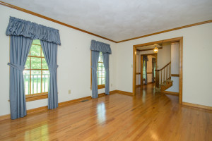 2412 Tarkington Ct. N. Chesapeake VA 23322 Living Room